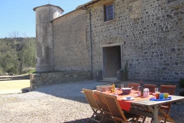 terrasse gîte beaujolais